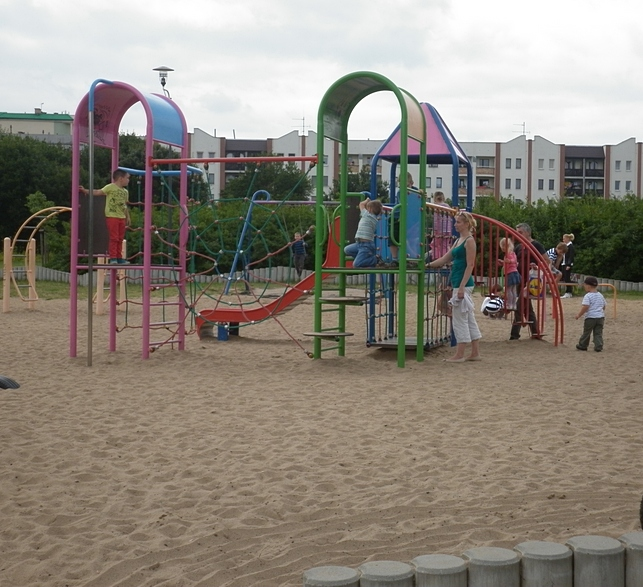 Park Jana Pawła II w Poznaniu – dobre miejsce na spacer i zabawę