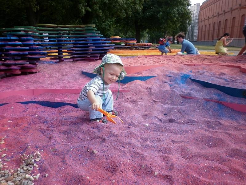 Tęczowa piaskownica w Poznaniu