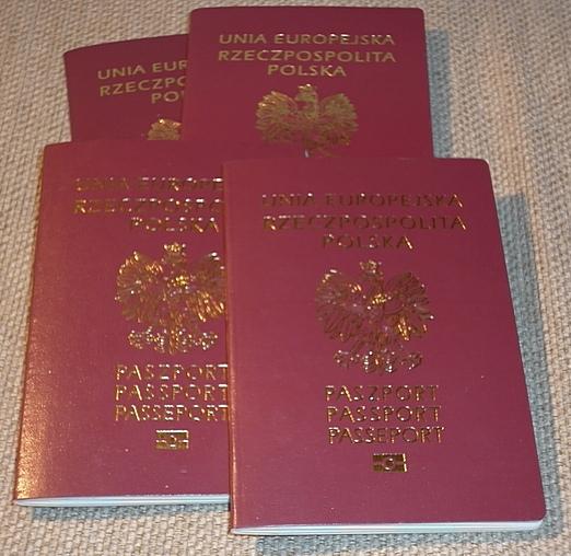 Z dzieckiem po paszport