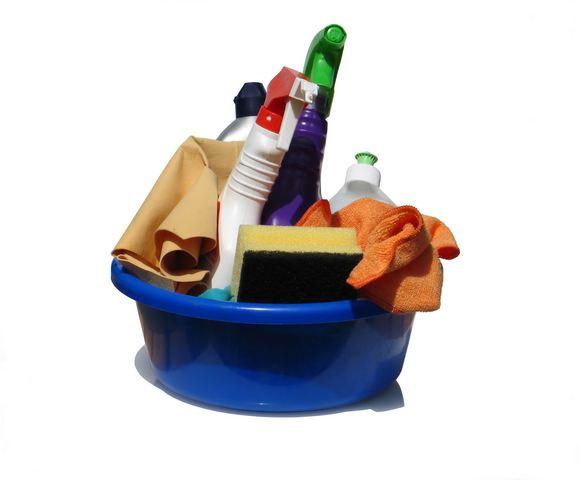 Wielkie sprzątanie a małe dziecko