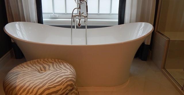 bathtub-902362_640